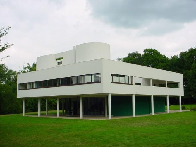 르 코르뷔지에가 설계한 필로티 구조의 빌라 사보아(Villa Savoye). - Valueyou(Wikipedia) 제공
